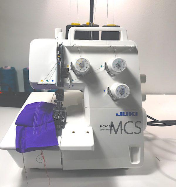 juki-peitetikkikone-eli-peittari-mcs1500-valmiina-ompelemaan
